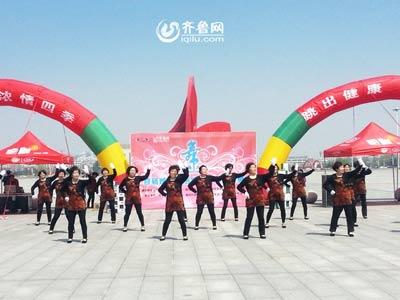 昌邑赛区——老年大学表演队《张灯结彩》