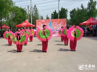 经济区赛区——南张氏舞蹈队《走进新时代》