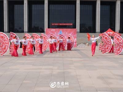 诸城赛区——老年大学民族舞蹈队《舒心的日子扭着过》