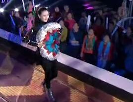 GAGA的鞋子范冰冰的龙袍  琳琳走在时尚最前沿