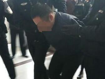 济南入室杀害母子案告破 嫌犯藏身北京落网后视频首度曝光