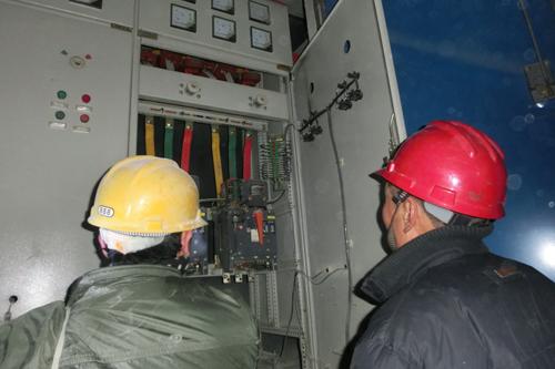 沂源供电公司:深入隧道3000米检查用电设备