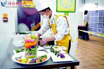 """潍坊第四届烹饪大赛很""""家常"""" 获市民认同"""