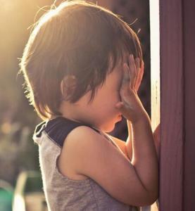 自闭症的表现  济南六一儿童医院