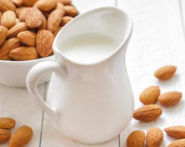 喝牛奶 有讲究