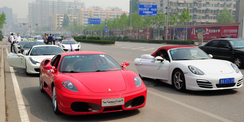 最豪华的婚礼车队_网传 豪华婚礼车队,图片尺寸:550×413,来自网页:http://roll.sohu.